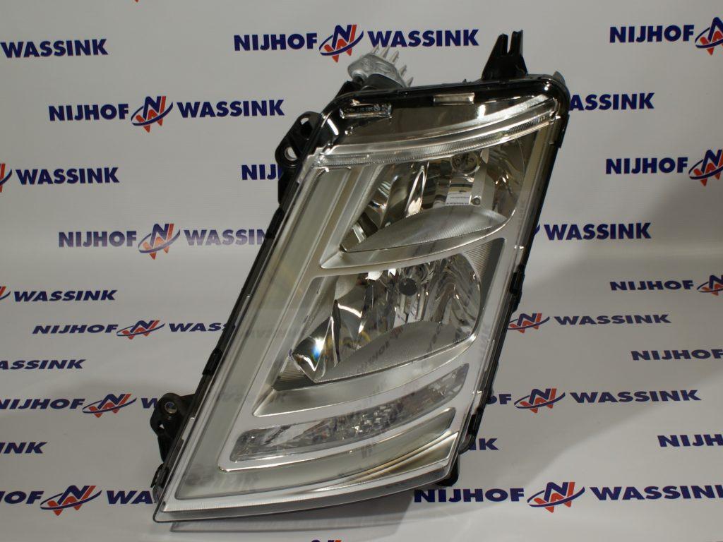 Volvo 22239219 LAMPA PRZEDNIA FH4 LEWA