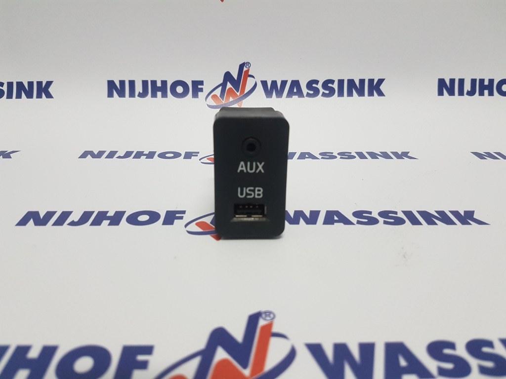 Volvo 21092209 PRZEŁĄCZNIK AUX USB